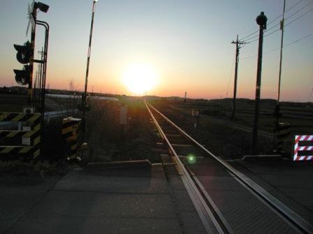 八高線線路の朝